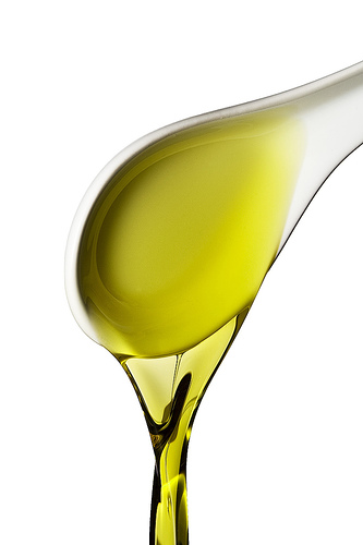 natural olive oil in cooking